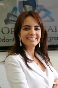 Profa. Naila Godói Machado - Doutoranda em Reabilitação Oral pela FOB-USP - Mestre em Clínica Odontológica Integrada pela UFU - Especialista em Ortodontia e Ortopedia Facial pelo ICS – FUNORTE  - Aluna do Curso de Especialização em DTM e Dor Orofacial pelo IEO-Bauru